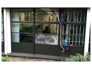 on site respray of richer sounds offices in black